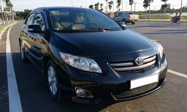 Toyota Việt Nam triệu hồi hơn 8.000 xe Altis lỗi túi khí