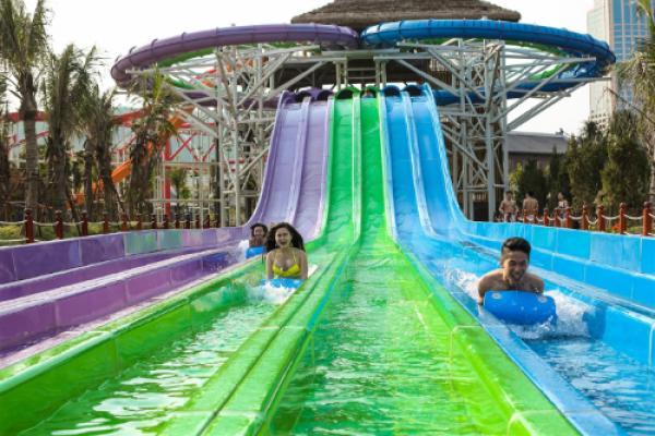 12-tro-choi-doc-dao-tai-cong-vien-nuoc-typhoon-water-park-1