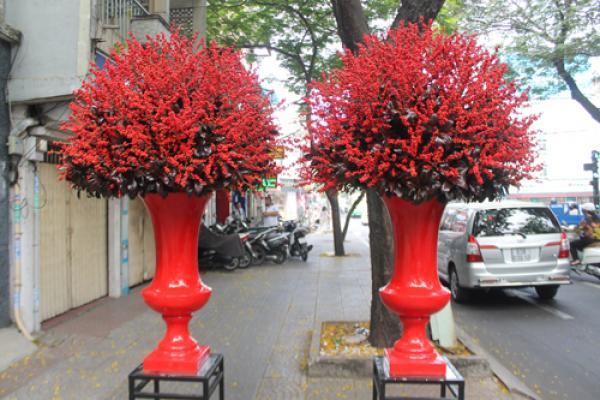 Bình hoa đông đào được khách đặt mua có giá 160 triệu đồng.