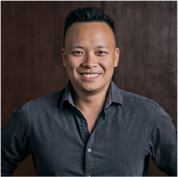 Nhiếp ảnh gia James Dương có màn kết hợp cùng Pampers trong dự án Chỉ mẹ mới biết.