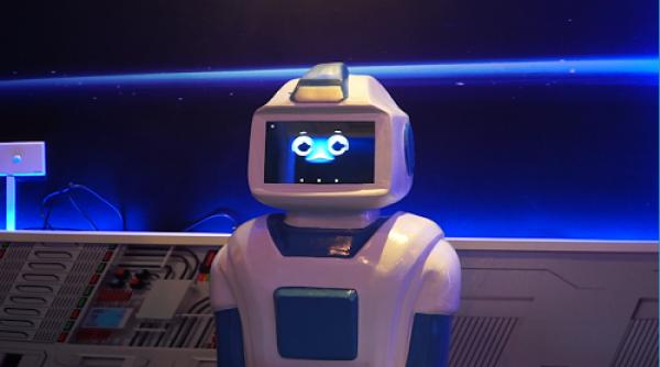 quan-ca-phe-dau-tien-co-robot-phuc-vu-tai-viet-nam-2