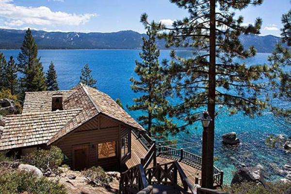 Năm 1951, hồ Tahoe là nơi diễn ra câu chuyện tình lãng mạn trên màn bạc của hai huyền thoại điện ảnh