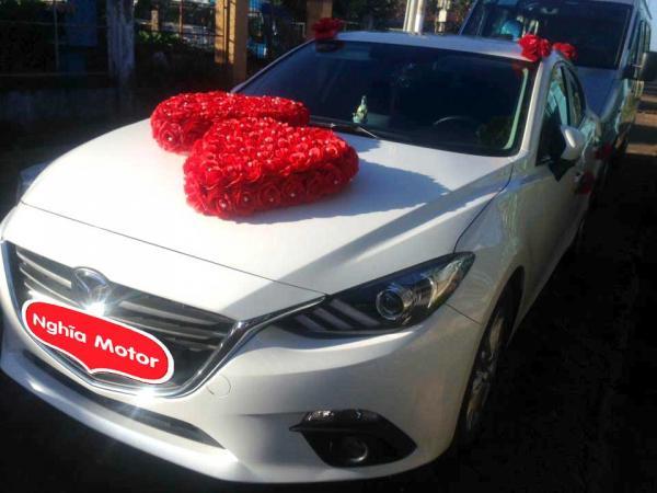 Thuê xe hoa cưới mazda 3 Biên Hòa