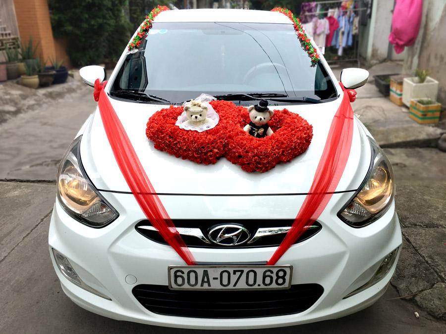 Thuê xe hoa cưới màu trắng Biên Hòa